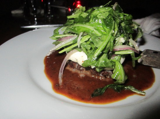 Orinoco: Meat with guayanes cheese