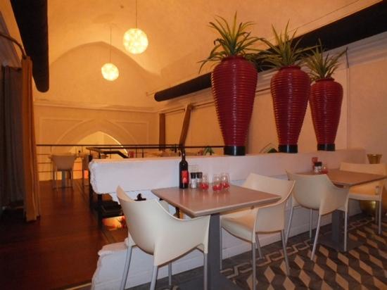 Boutique Hotel 't Klooster: Chapel converted into cafe/bar