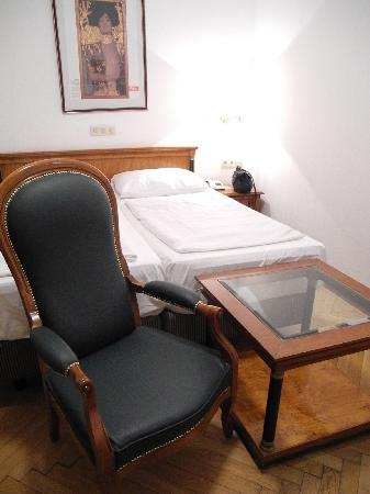 Hotel Carlton Opera: My room