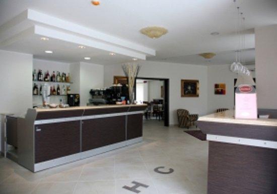 Hotel Caggiari: hall