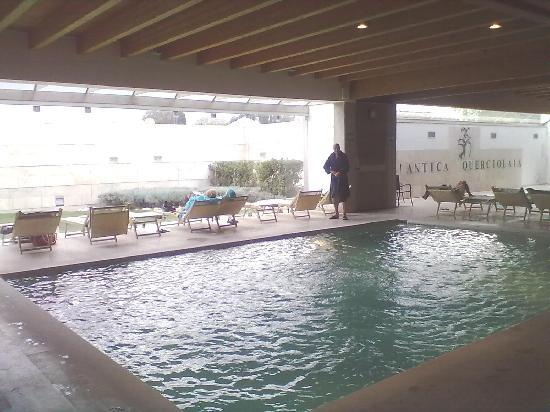Terme Antica Querciolaia : Le piscine interne sono 2, senza cascate