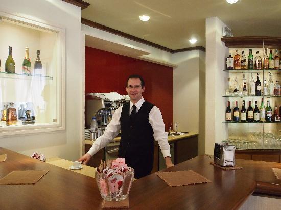 Hotel Terme Neroniane: die Bar