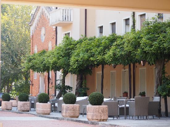 Hotel Terme Neroniane: Sitzgelegenheit