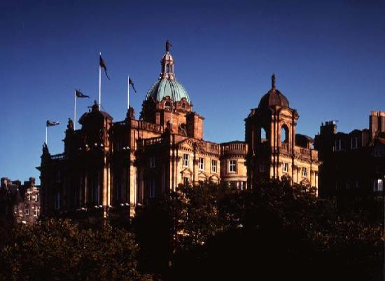 Museum on the Mound : The Museum is housed in the Bank of Scotland Head Office.