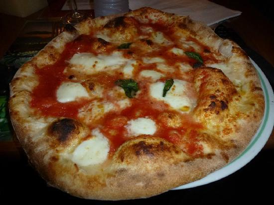 Pizza Les Amoureux.