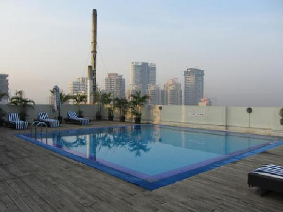 Grand Sarovar Premiere Mumbai: Pool view, roof