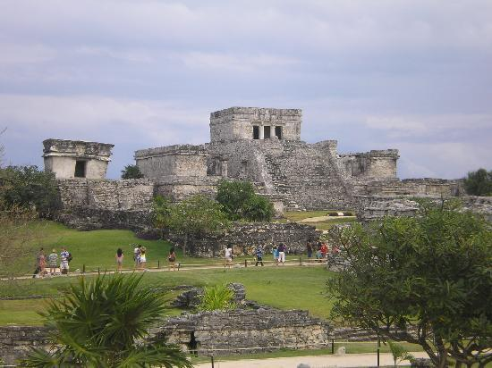 Grand Bahia Principe Tulum: Tulum walled city
