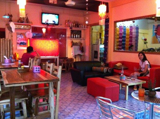 Enjoy Bkk Bistro Bar: Mild my Thai gf at Enjoy Cafe