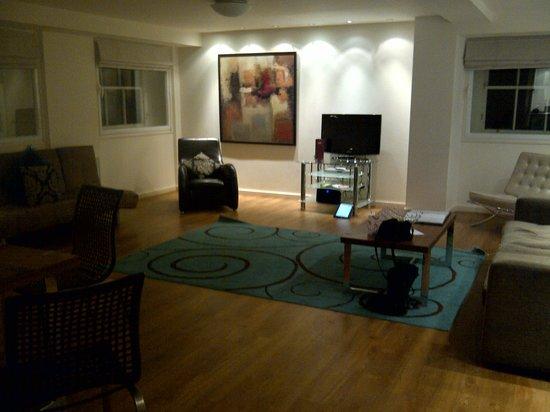 Princes Street Suites: The huge living area.