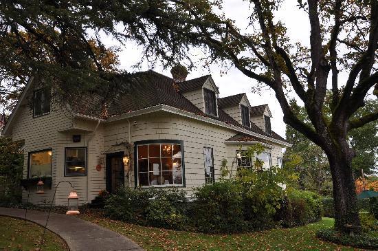 Campbell House, A City Inn: Außenansicht