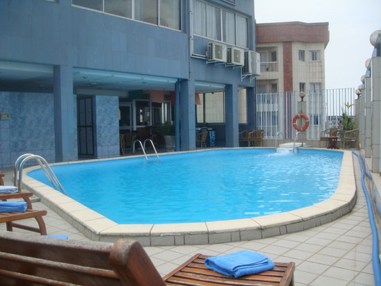 Hotel Bano Palace : THE SWIMMING POOL