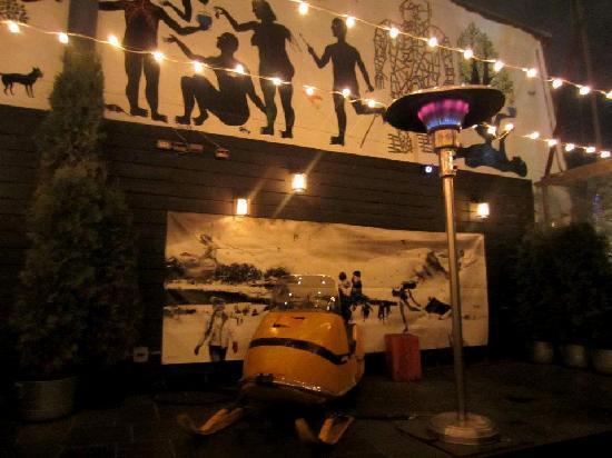 Drake Hotel Toronto: the cozy patio