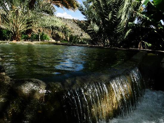 Nizwa, Omán: Village water supply