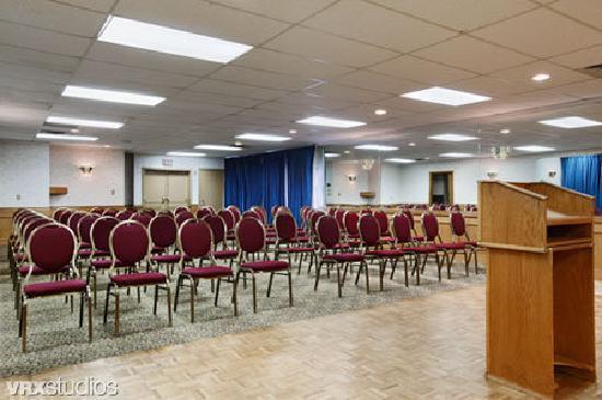 Ramada Coquitlam: Meeting Room