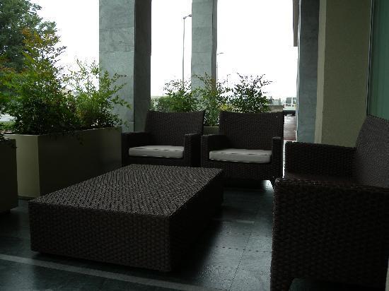 Quality Hotel San Martino: Estreno Lounge Divanetti