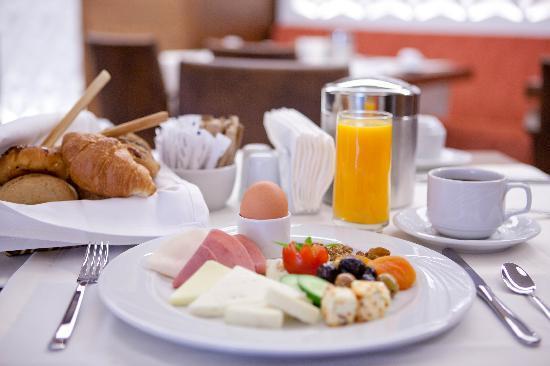 Innova Sultanahmet Istanbul: Breakfast