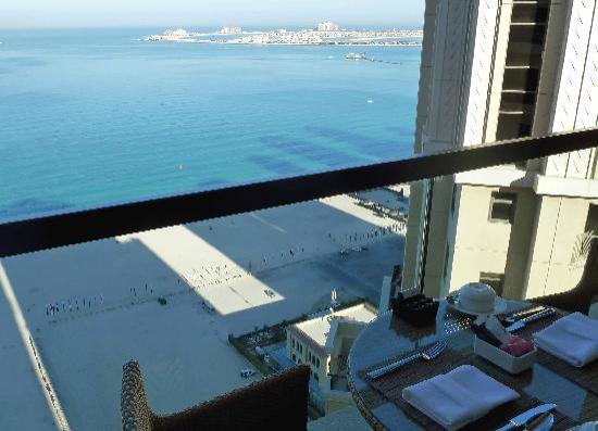 Amwaj Rotana: Club Lounge Balcony