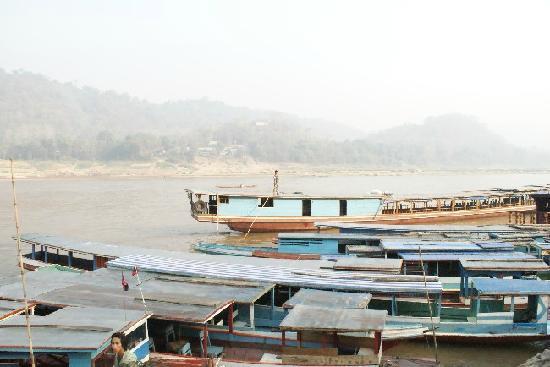 Travel To Laos: imbarco
