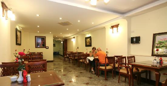 Hanoi Charming 2 Hotel: Restaurant