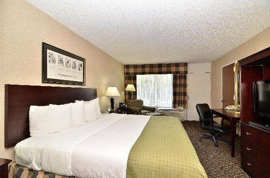 Clarion Hotel Richmond Central: Executive King Bed