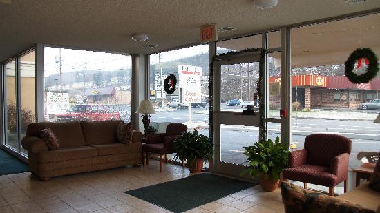 Rodeway Inn: Nice lobby