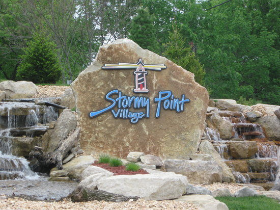 Stormy Point Village a Summerwinds Resort: Stormy Point Village New Entrance