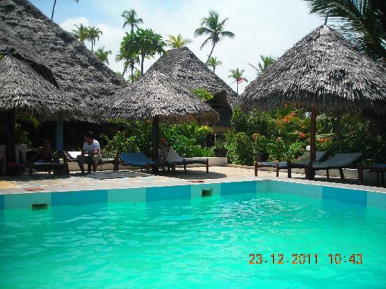 Mitende EasyAfrica Club: piscina