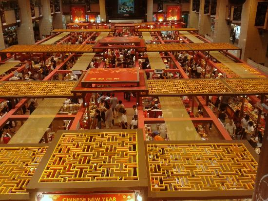 Singapur: Lunar New Year Bazaar at a shopping mall on Orchard Road