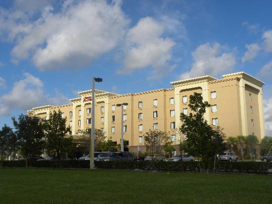 Hampton Inn & Suites Ft. Lauderdale/West-Sawgrass/Tamarac: Exterior
