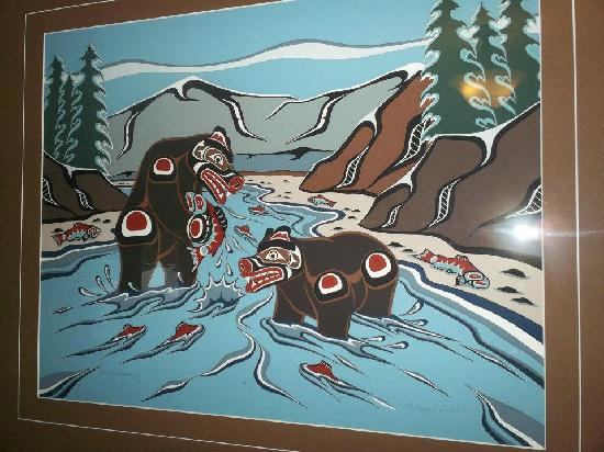 Golden Dreams B&B: Black Bear painting. Very cool art!