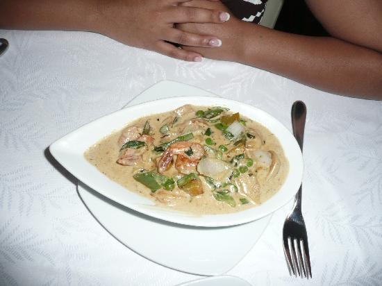 Excellence Playa Mujeres: Spice-Green Curry