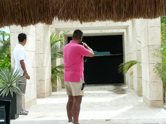 Excellence Playa Mujeres: Rifle shooting