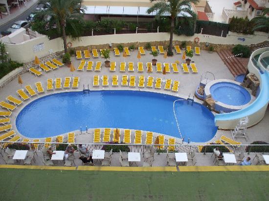 Hotel RH Princesa: 6th floor overlooking the pool