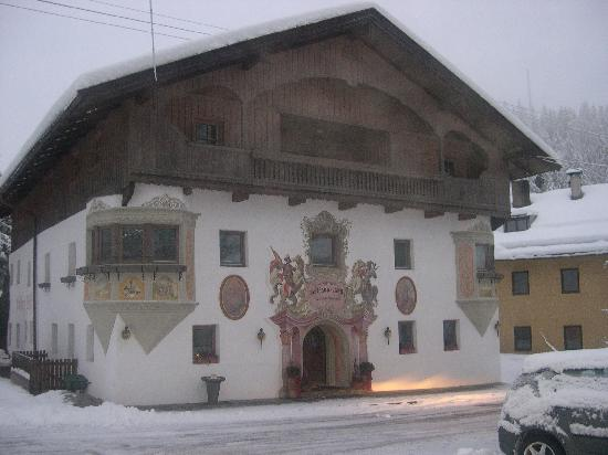 Gasthaus Roessl: Guesthouse