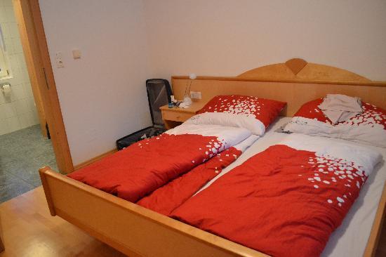 Gasthaus Roessl: Bedroom