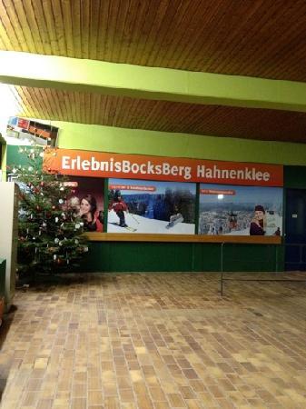 Walpurgishof: Direkt gegenüber!!!