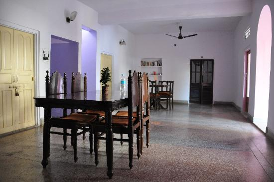 Hotel Karni Niwas: breakfast room