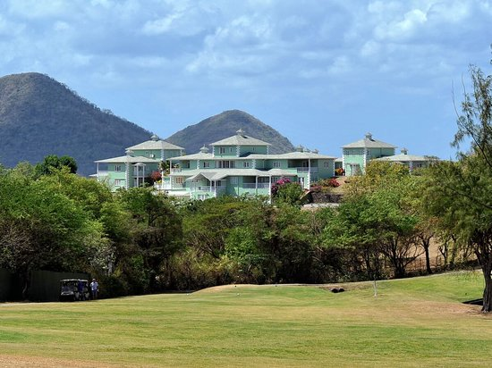 Gateway Villas: Golf Course Nearby