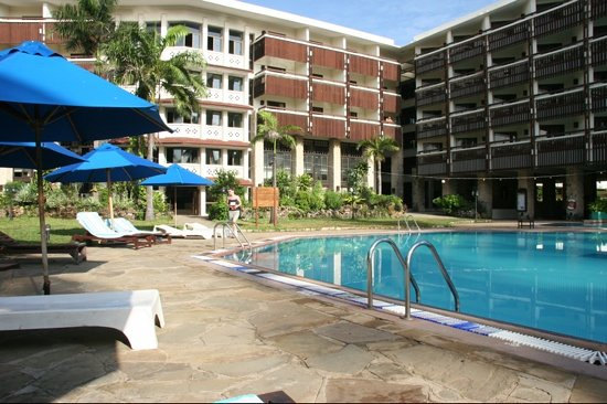 Shanzu, Kenya: sight on hotel swimming pool