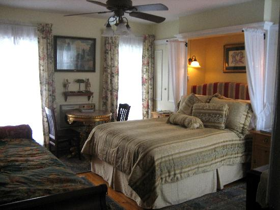 Village Green Bed and Breakfast Image