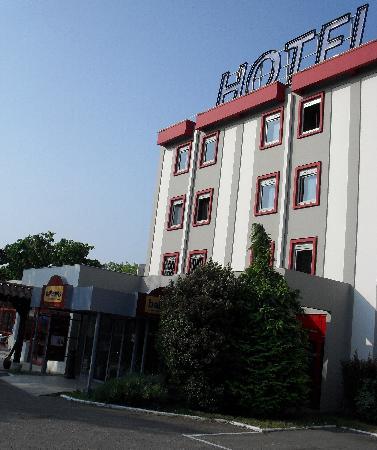 Hotel balladins Bobigny: Exterior