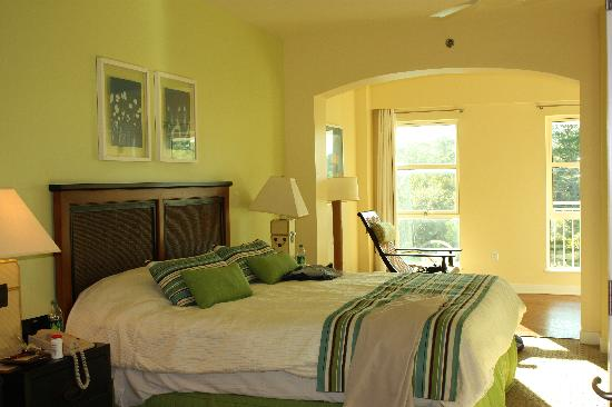 Embarc Sandestin: The bedroom
