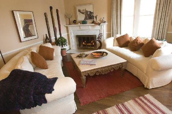Highland Place Bed and Breakfast: A wonderful living room