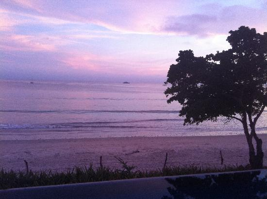 Hotel La Quinta del Sol: Pink/purple sunset