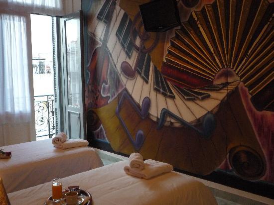 """Ayres Portenos Tango Suites: Double Twin Room """"Los Instrumentos"""""""