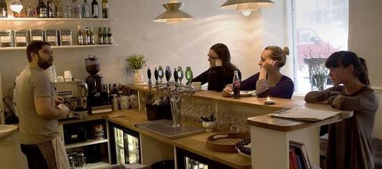 KH Clausen: the bar