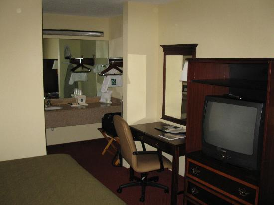 Quality Inn Wilmington: room 2