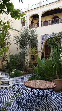 Ryad Salama Fes: The courtyard