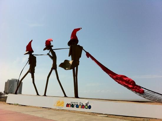 São Luís, MA: praça dos pescadores, Av. litorânea