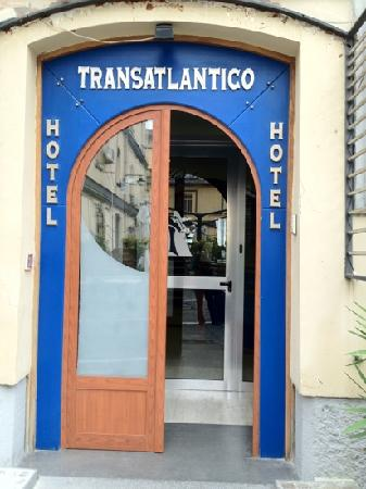 Hotel Transatlantico: This is the entrance to the hotel